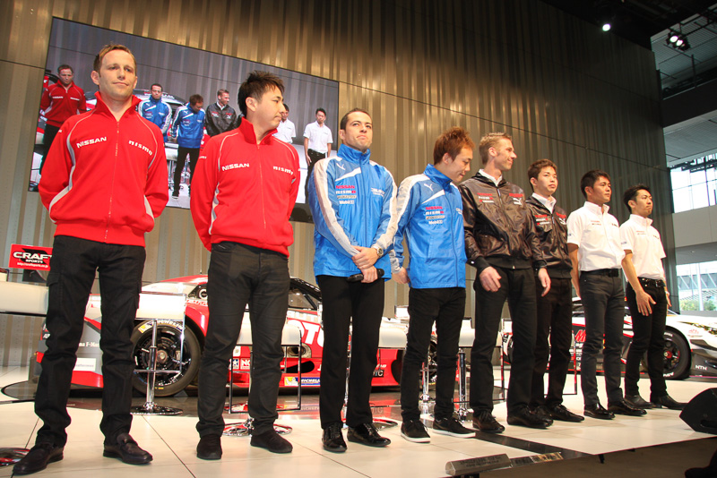 """SUPER GT GT500クラスのドライバーによるトークセッションでは、KONDO RACINGに22歳の若手である佐々木選手が新加入したことを受け、3月の誕生日で44歳になるクルム選手との""""歳の差""""チームなど、年齢やキャリアに関する話題が多くの時間を占めた"""