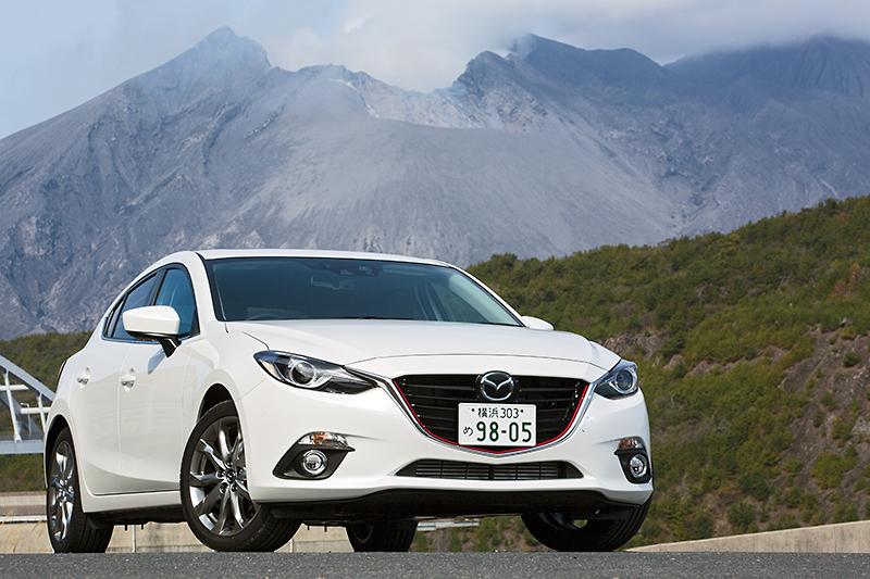 新型「アクセラ」の最上位モデルとなる「XD」。2.2リッターディーゼルを搭載するモデルのほか、2.0リッターガソリン搭載モデル「20S Touring L Package」、ハイブリッド搭載モデル「HYBRID-S」に試乗した