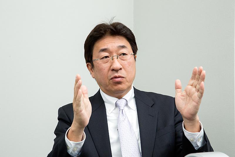 渋谷英治氏。彩速ナビの商品企画を担当