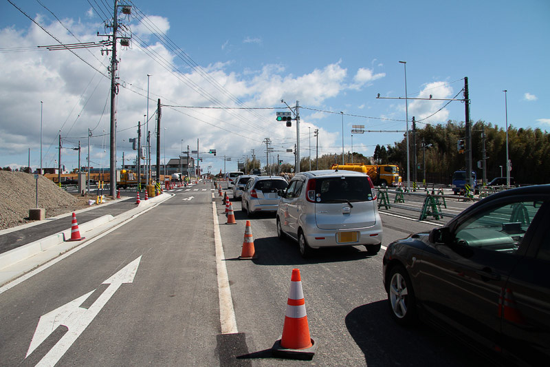 サーキット道路と中勢バイパスが交わる交差点。レース終了後はサーキットから国道23号方面へは渋滞する