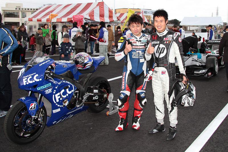 塚越広大選手(右)と秋吉耕佑選手