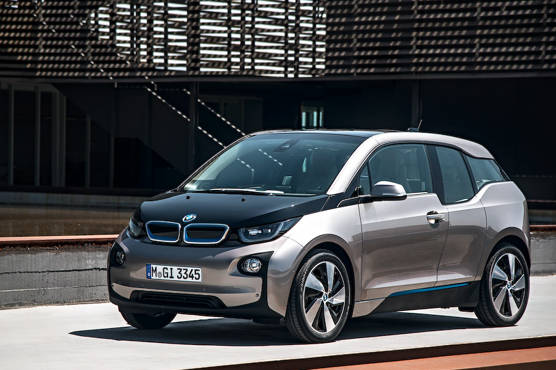 都市向け電気自動車「i3」