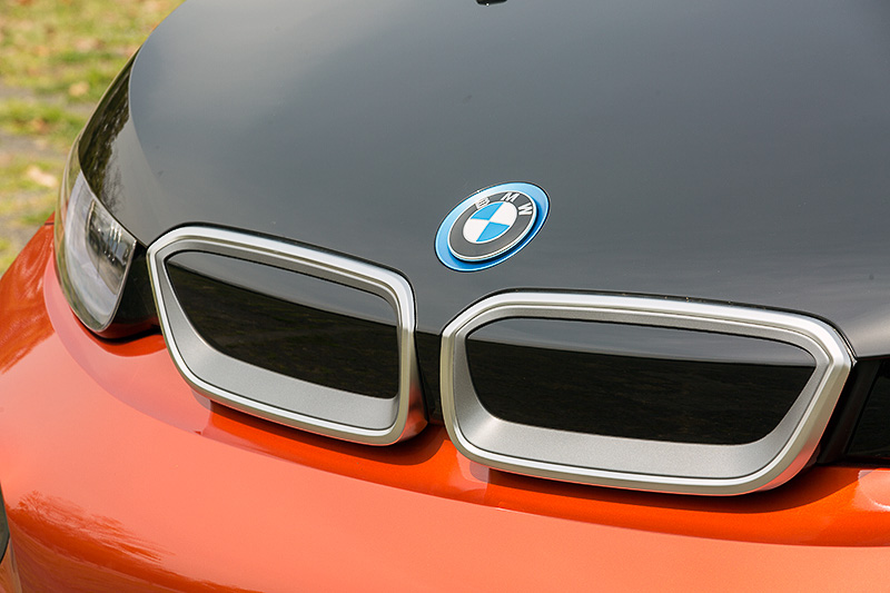 他のBMW車と同様、キドニー・グリルを装着するが、i3ではクローズドタイプを採用する