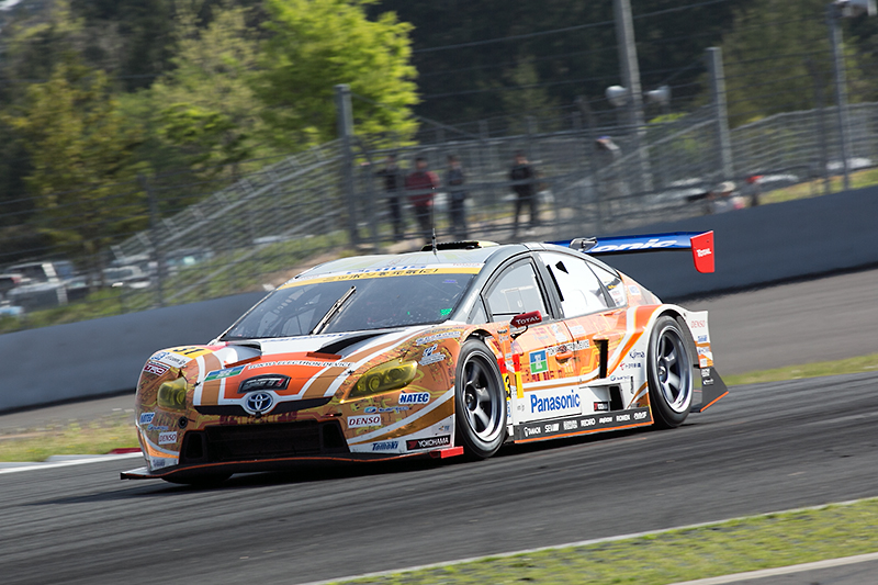 フリースケール・セミコンダクタ・ジャパンがスポンサードする31号車 OGT Panasonic PRIUS。SUPER GT300クラスに参戦中のハイブリッド車両