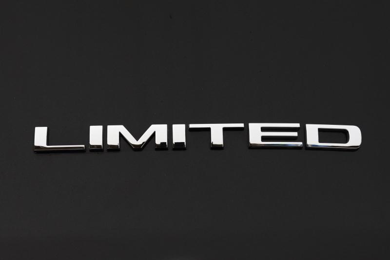 最上級モデルとなる「Limited(リミテッド)」。価格は461万1600円