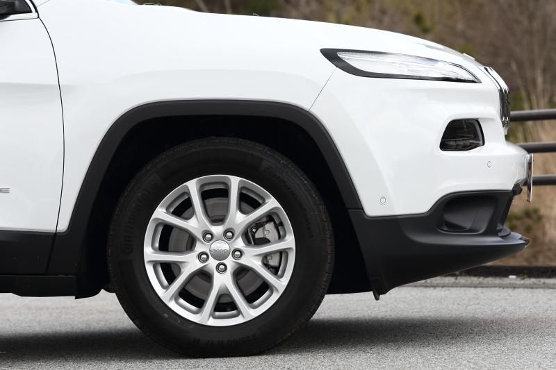 「Longitude」の装着タイヤは225/60 R17