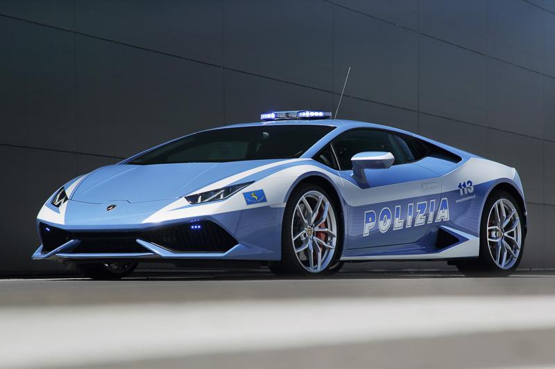 """""""ブルー・ポリツィア""""塗装を施された「ウラカン LP610-4 ポリツィア」"""
