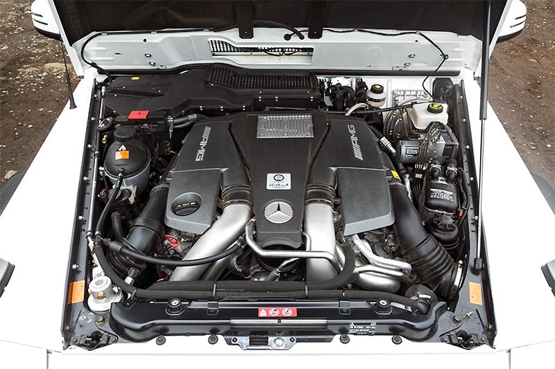 V型8気筒5.5リッター直噴ツインターボエンジン。7速AT「AMG SPEED SHIFT PLUS」と組み合わせ、最高出力400kW(544PS)、最大トルク760Nm(77.5kgm)を発生する