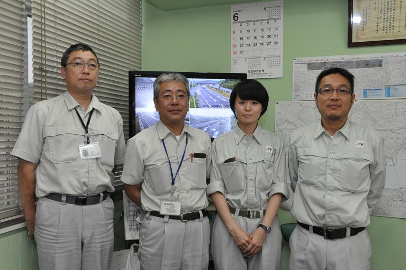 NEXCO中日本 東京支社 横浜保全・サービスセンターのスタッフ。右が桝永清氏