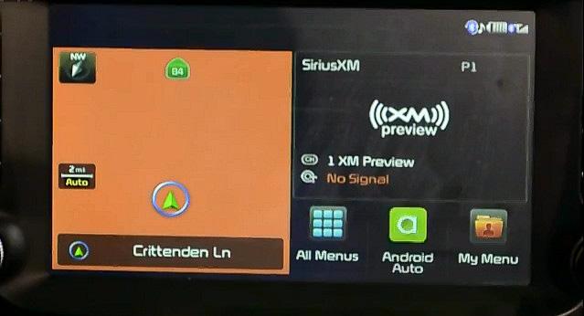 車載情報システム側にAndroid Autoの緑色のアイコンが表示されている