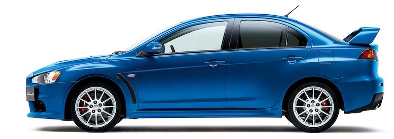 今回の一部改良では、ウインカー付ドアミラーを装備するとともに、ボディーカラーに鮮やかなライトニングブルーマイカを新設定