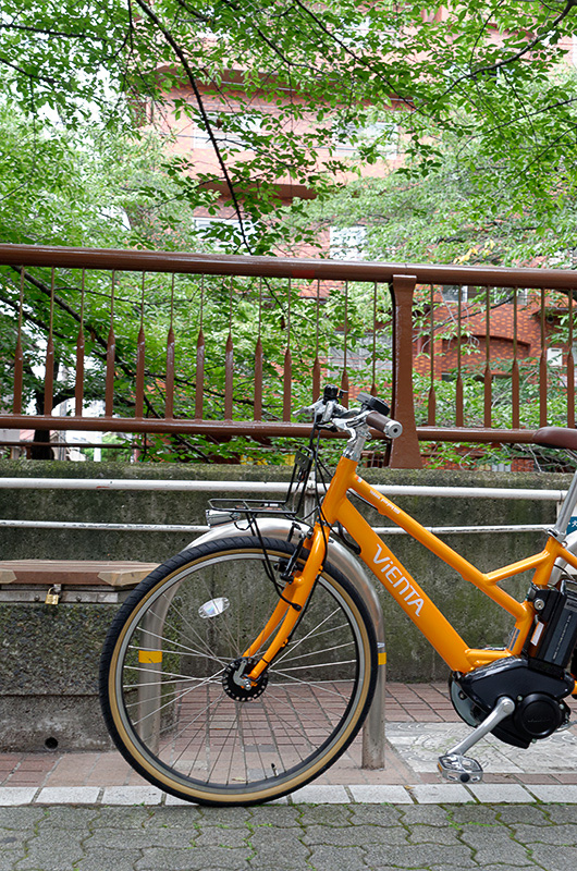 目黒川沿いを走るコースで、ポタリングの気持ちよさを実感。急勾配で他のスポーツ自転車をすいすい追い抜いていけるPASの実力も体感できた