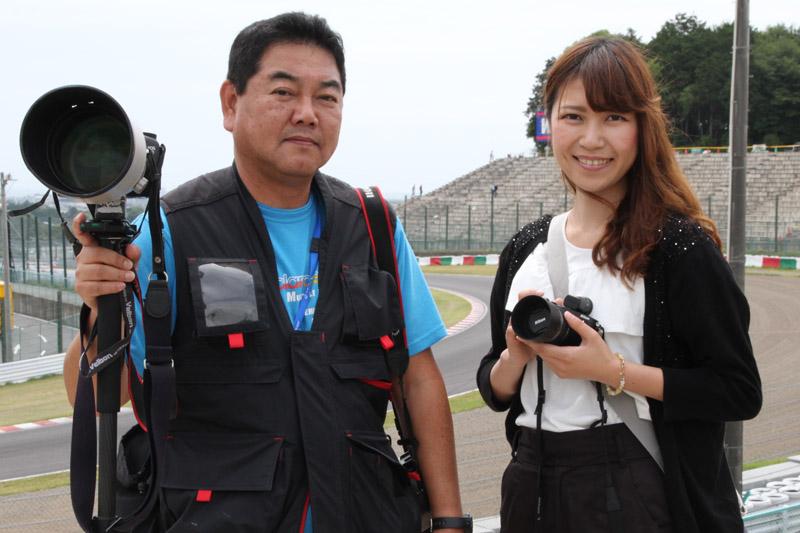 鈴鹿サーキットクイーン 中川早織さん(右)と筆者(左)