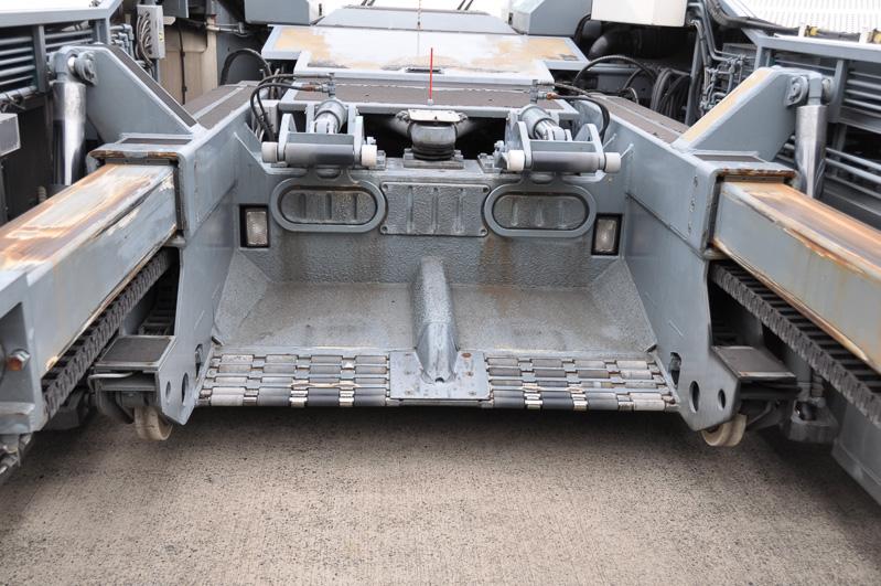 これが前輪を載せる部分。タイヤ2つが載るようになっている