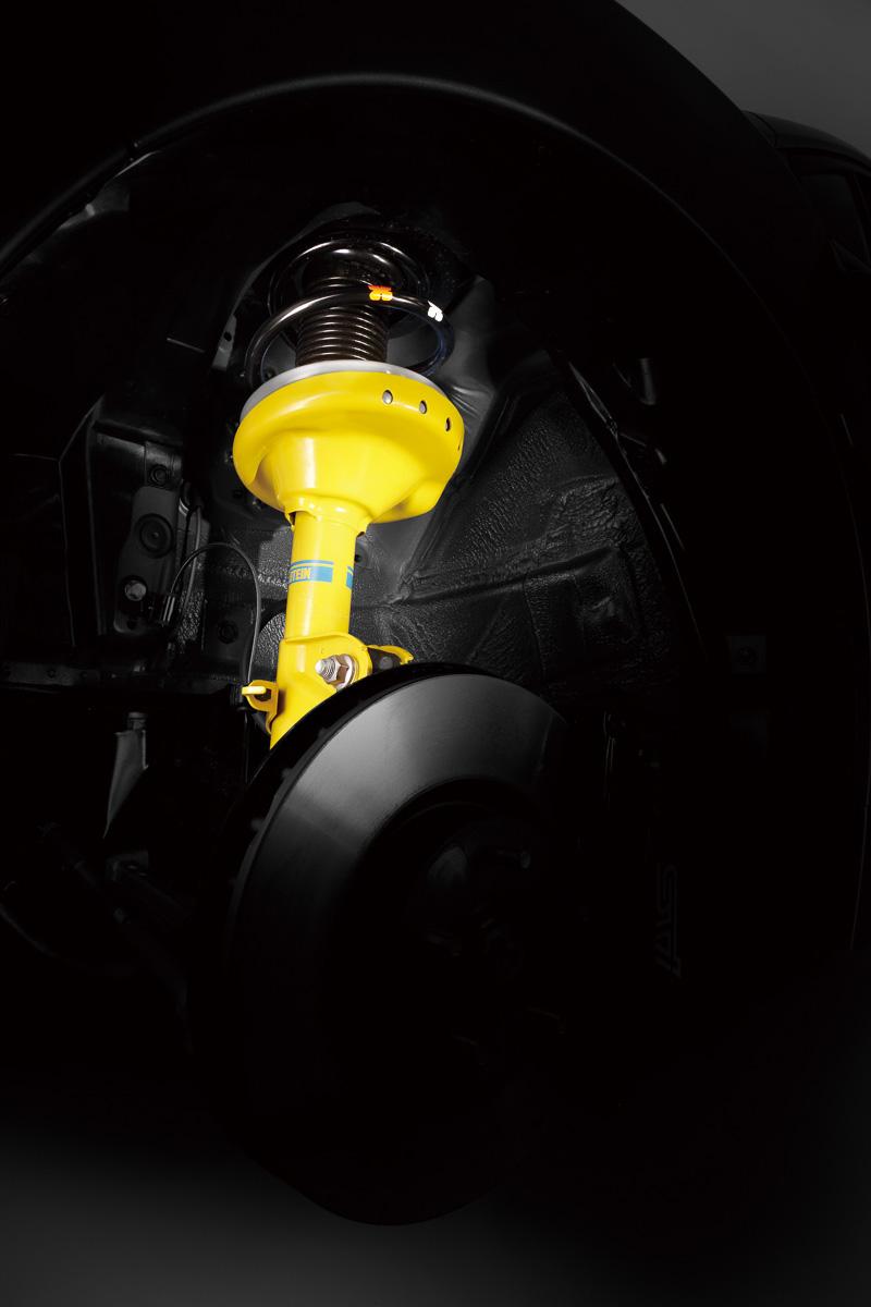 2.0GT-S EyeSightは、ビルシュタイン製ダンパーを装備