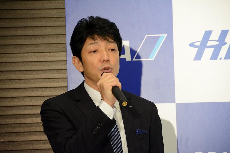 記者会見に出席した新会社社長に就任予定の深木重和氏(写真左)と、新会社副社長に就任予定の廣岡伸雄氏(写真右)