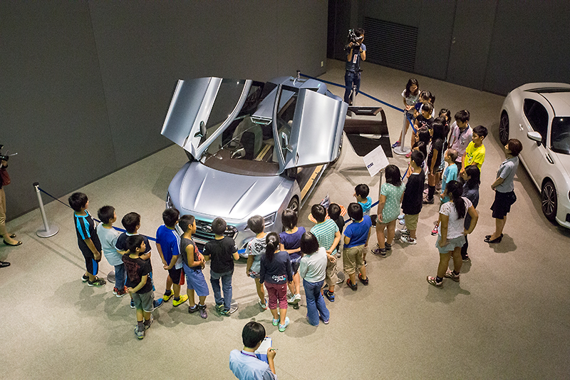 工場見学の後はビジターセンター内の展示を見学