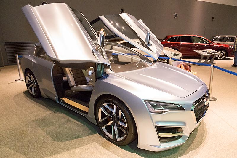 2011年の東京モーターショーに出展されたコンセプトカー、SUBARU ADVANCED TOURER CONCEPT