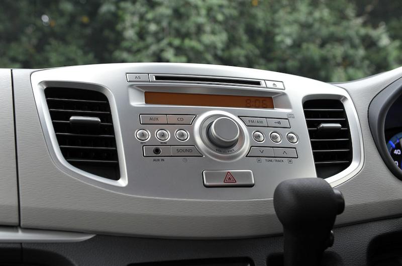 オプション設定のCDプレーヤー(AM/FMラジオ付)