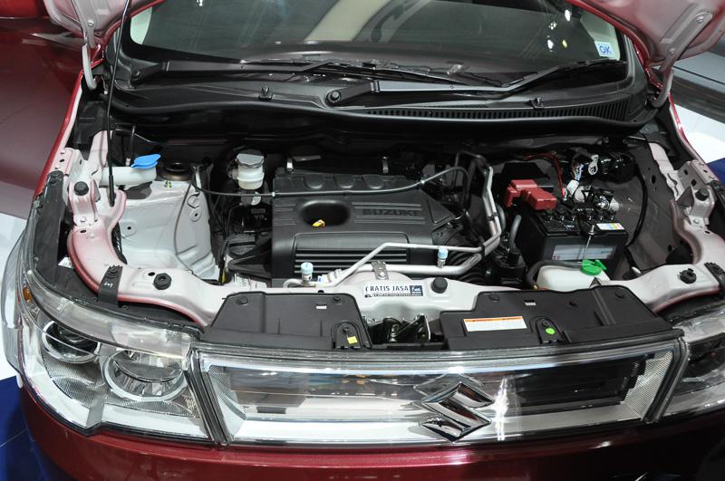 日本のワゴンRシリーズと大きく異なるのが1.0リッターのK10Bエンジンを搭載するところ