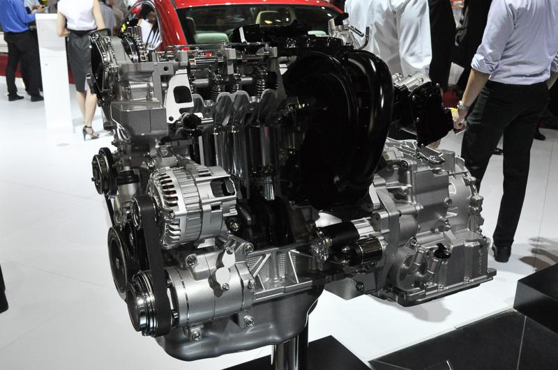 SKYACTIV-G 1.5を搭載するMazda 2。6速ATのほか6速MTも用意され、日本にはない仕様が魅力的