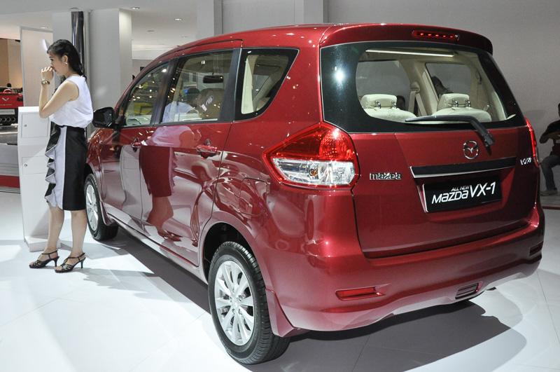 Mazda VX-1。インドネシアで人気の小型3列シート車