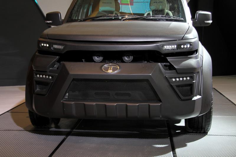 SUV「サファリ・ストーム」に過激な外装が与えられた「サファリ・ストーム EX」。標準車と同様に、最高出力140PS/4000rpm、最大トルク320Nm/1700rpmを発生する直列4気筒2.2リッターエンジンを搭載。市販化されているかは不明だが、色々と気になる存在