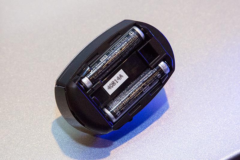 電池は単4型を2本使用