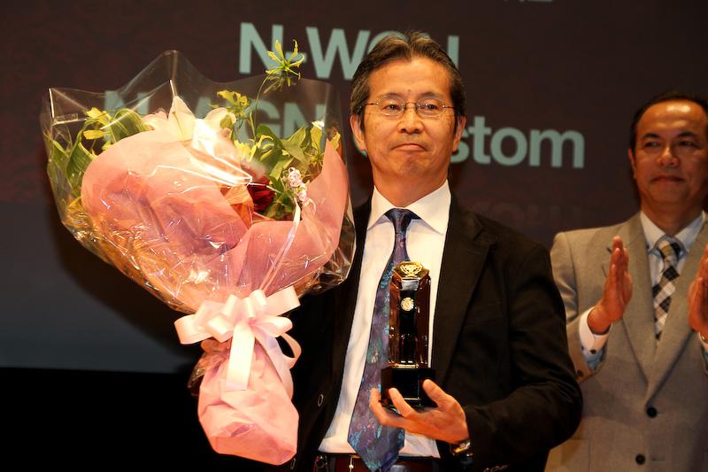 イノベーション部門賞を獲得したBMW「i3」(写真左)、スモールモビリティ部門賞を獲得した本田技研工業「N-WGN/N-WGN カスタム」(写真中)、日本カー・オブ・ザ・イヤー特別賞を獲得した「トヨタ燃料電池自動車への取り組み」(写真右)のそれぞれの担当者が歓びの声を口にした