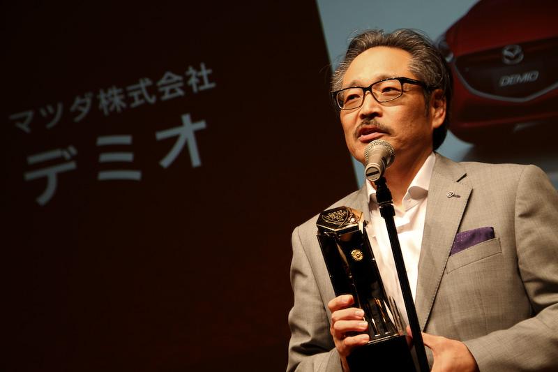 2014-2015日本カー・オブ・ザ・イヤーの表彰では、マツダで常務執行役員を務める藤原清志氏が登壇