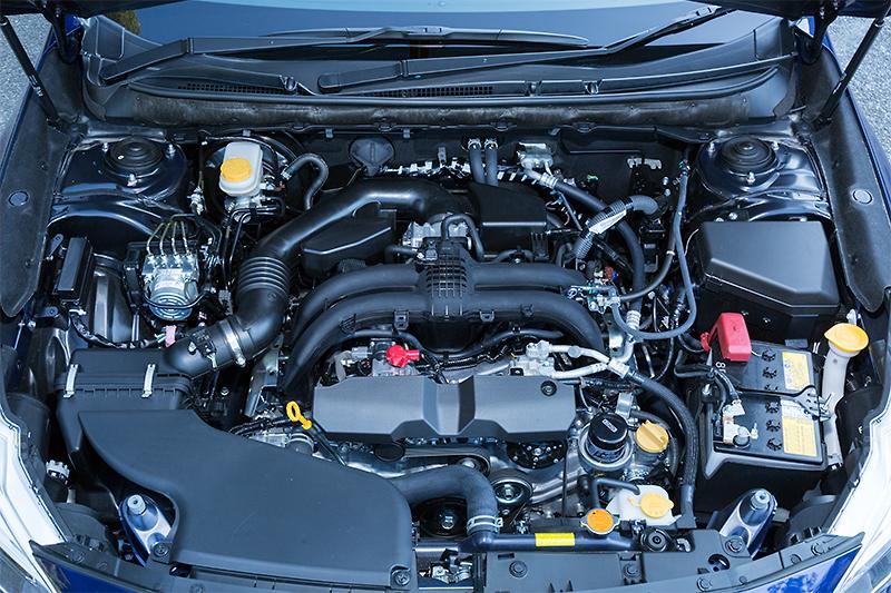 エンジンは5代目から引き続き水平対向4気筒DOHC「FB25」ユニットを搭載。ただし、約8割のパーツが新設計されており中身は別物といえる