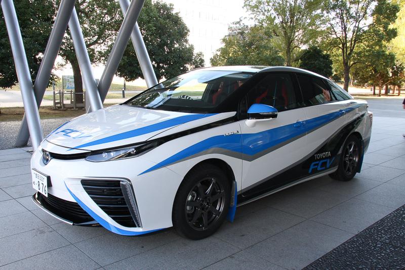 「新城ラリー2014」で走行した00カー仕様のミライ