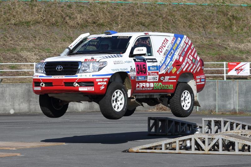 ニュルブルクリンク24Hレース出場車の走行もダカールラリー出場車の大ジャンプもすべて同乗体験ができた