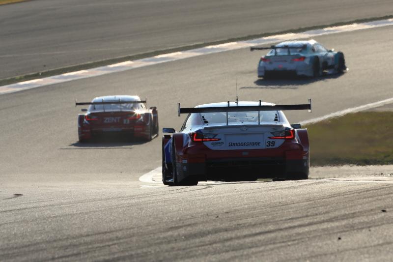国内最大の観客動員数を誇る人気のSUPER GT 2014年GT500クラス参戦マシンレクサスRC F