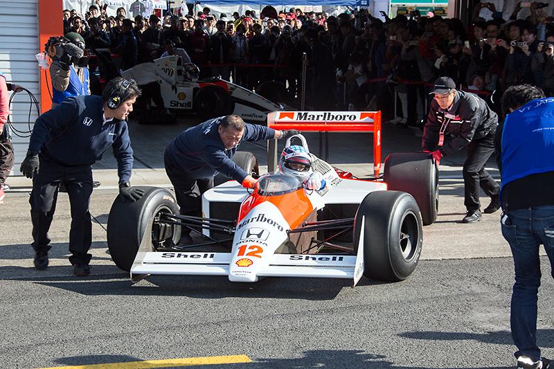 MP4/4のドライバーは佐藤琢磨選手