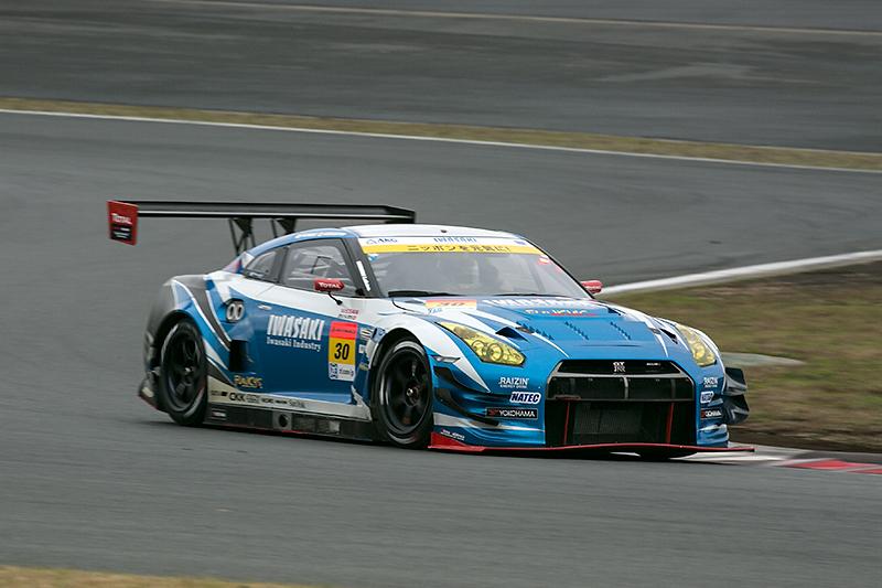 2014年のSUPER GT GT300クラスに参戦したIWASAKI apr GT-R