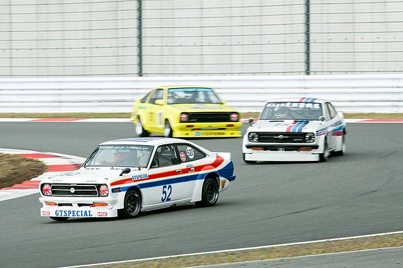 KPGC10、B110サニー、510ブルーバードなどによるエキシビジョンレースも。往年の名車による争いは今見ても色あせないものだった