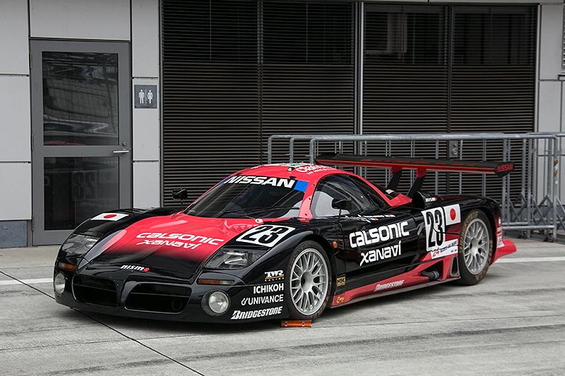 1997年のル・マン24時間レースのためにTWR(トム・ウォーキンショー・レーシング)の協力により制作されたR390 GT1