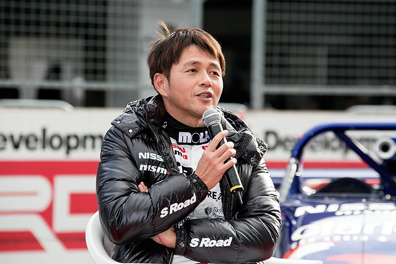 本山哲選手は「ル・マンはストレートが長くて僕の時代で330km~340km。安定して走れるので乗ってても早くて面白い」と語った