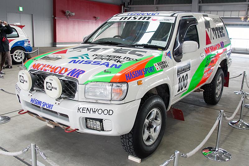 2000年のラリーレイドモンゴルで優勝したR50型テラノ