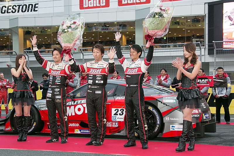 スーパー耐久ST-3クラスチャンピオンとなった前嶋/佐々木/廣川組