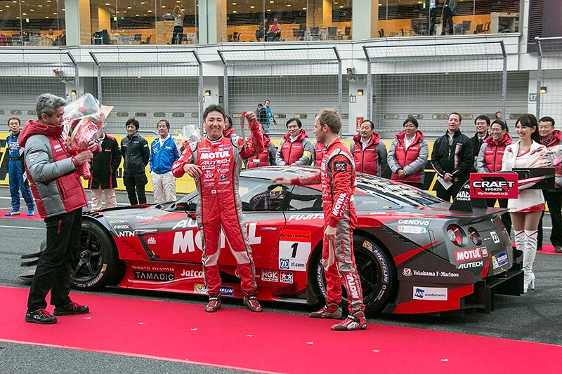 チャンピオンカーの証であるゼッケン1が登場