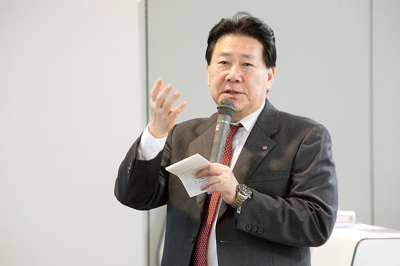 コンテスト終了後に総評を語る日本航空 代表取締役社長 植木義晴氏