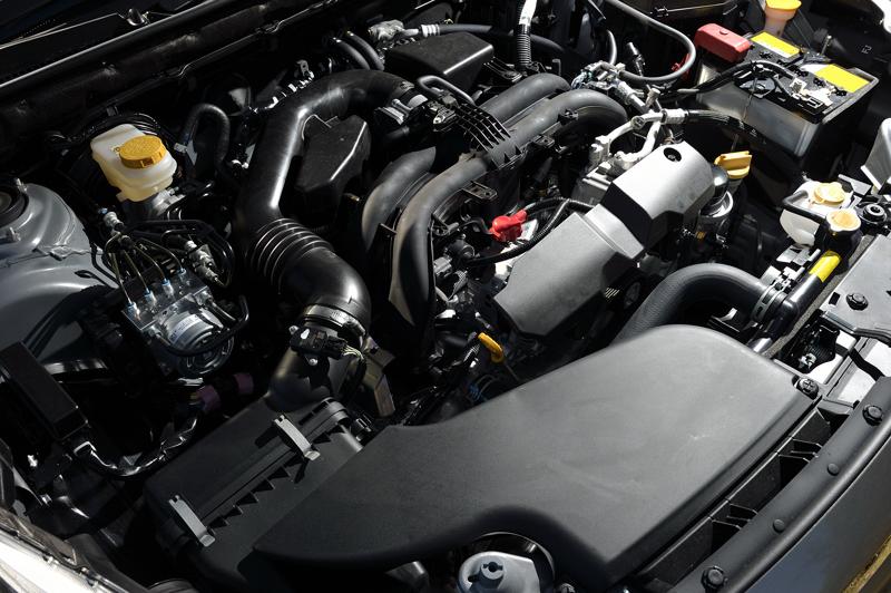 約8割の部品を新設計したという水平対向4気筒DOHC 2.5リッターの「FB25」エンジンは、最高出力129kW(175PS)/5800rpm、最大トルク235Nm(24.0kgm)/4000rpmを発生。マニュアルモード付きのCVTであるリニアトロニックと組み合わされる