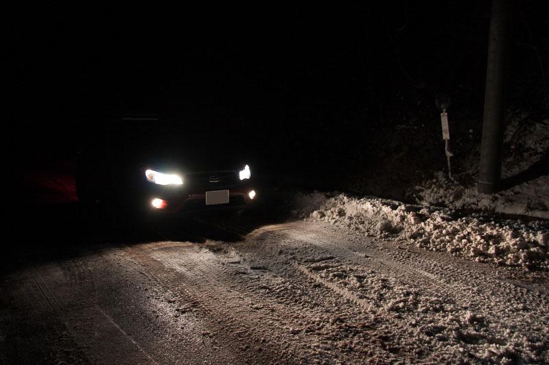 路面は薄い圧雪路となっていた