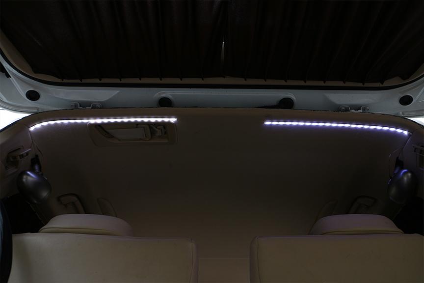 昼間点灯してもこの明るさ!これでラゲッジ全体を明るく照らせるぞ
