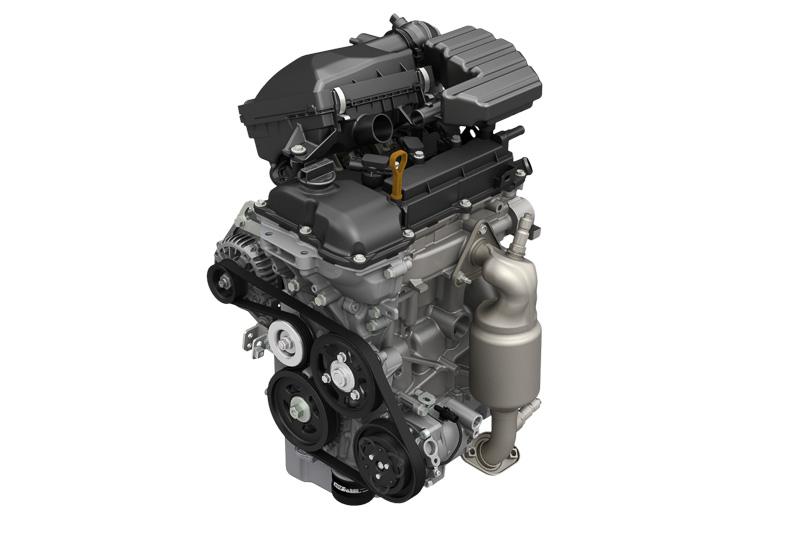 R06A型エンジンはトランスミッションによって出力が異なり、CVTと5AGSは最高出力38kW(52PS)/6500rpm、最大トルク63Nm(6.4kgm)/4000rpm、5速MTは最高出力36kW(49PS)/6500rpm、最大トルク58Nm(5.9kgm)/4000rpmのスペックとなる