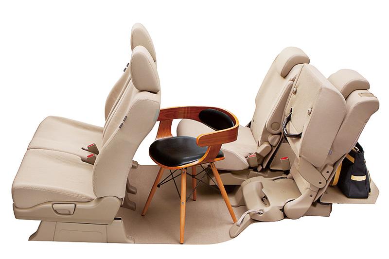 座面をチップアップさせたトールモードなどでも前後スライド機構の追加が効果を発揮