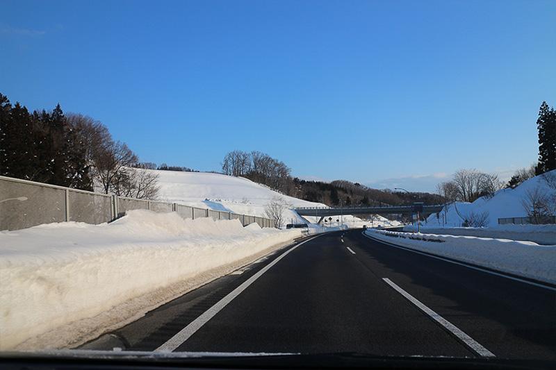 雲一つない快晴、完璧な除雪、ドライな路面……大変ありがたいことなのだが、ちょっと残念(苦笑)