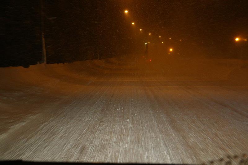 関越自動車道の水上IC(インターチェンジ)を過ぎたあたりから、やっと見慣れた雪景色に出会うことができた。雪の感触と、VRXの手応えを全身で感じ取る